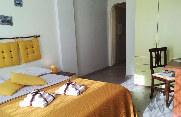 Camera Van Gogh Rest in Fiera B&B Roma